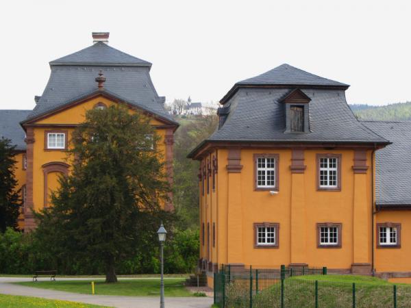 Schloß Löwenstein und Kloster Engelberg